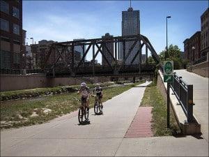 Denver_CherryCreek_bikeroutesign_sm